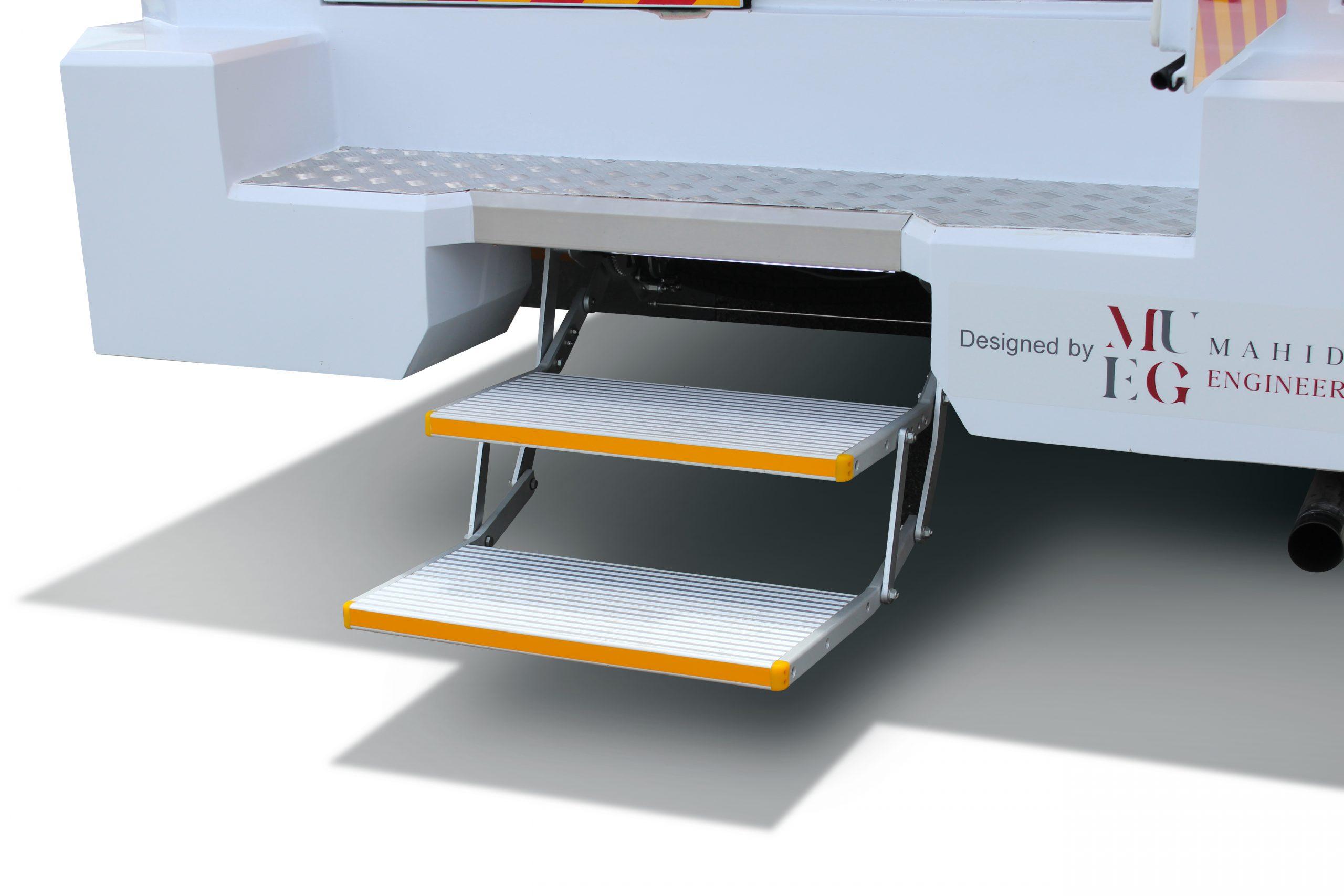 Retractable Electric Rear Step
